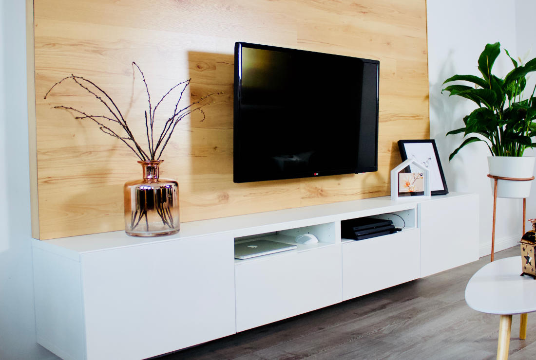 selfmade interior diy tv wand aus holz bauen. Black Bedroom Furniture Sets. Home Design Ideas