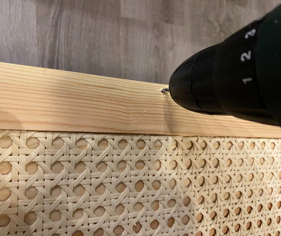 Ikea Tarva Hack - Griffe anbringen